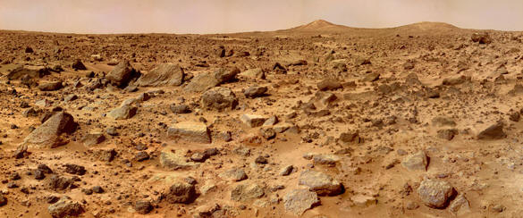 The twin peaks of Mars as photographed by the Viking lander © NASA